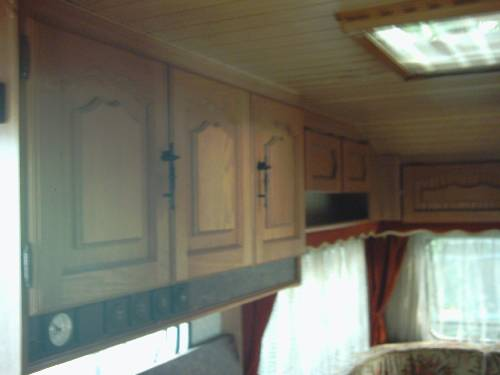 Caravan usate milano roulotte burstner doppia dinette occasione - Finestre camper usate ...